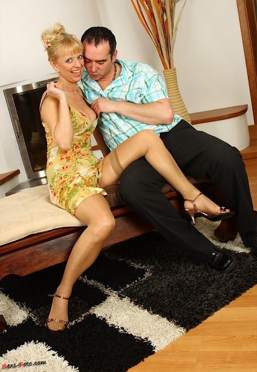 husband and wife cum kiss – Pantyhose