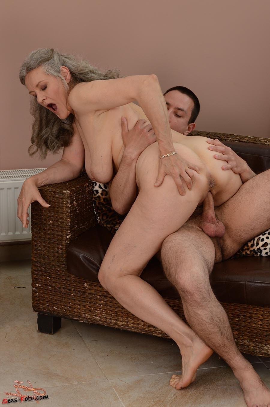 moms riding young cock on slutload – Pornostar