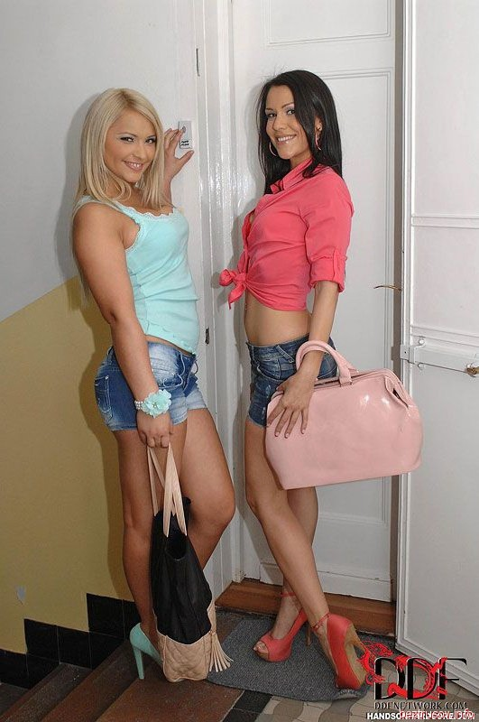 high heels fetish photos – Lesbian