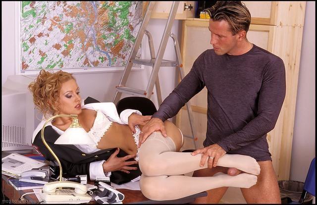 encuentra a su mujer con otro – Pantyhose