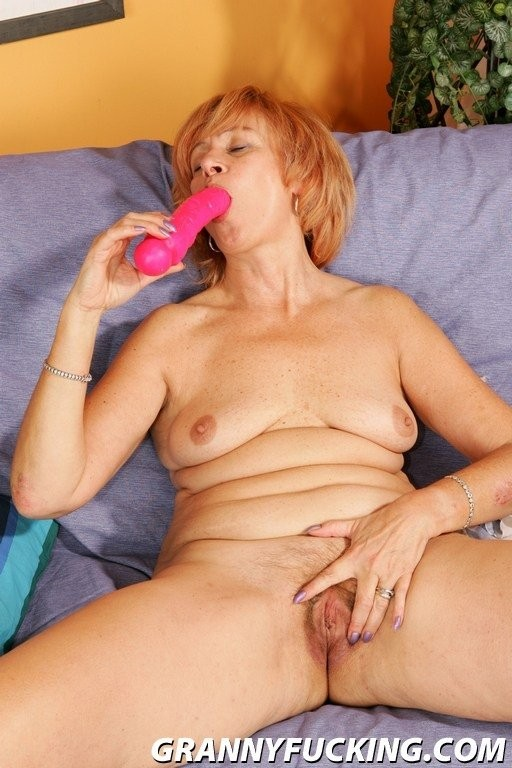 lesbo eating squirting pussy – Erotic