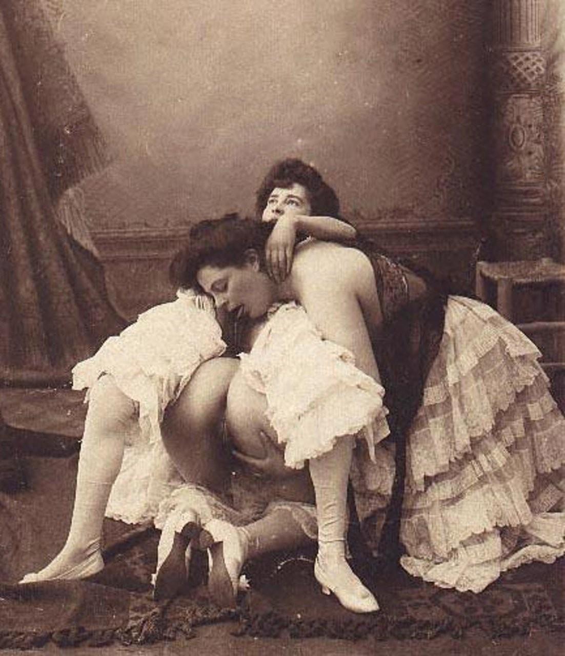 lesbian wrestling picture – Lesbian