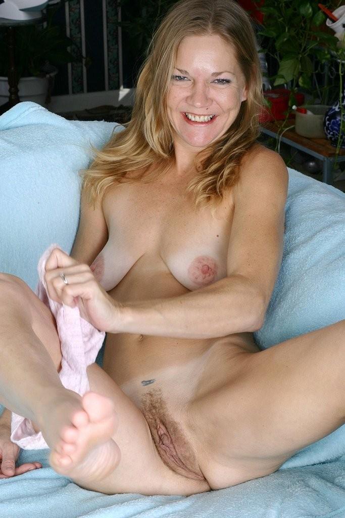busty aunt seduces – Erotic