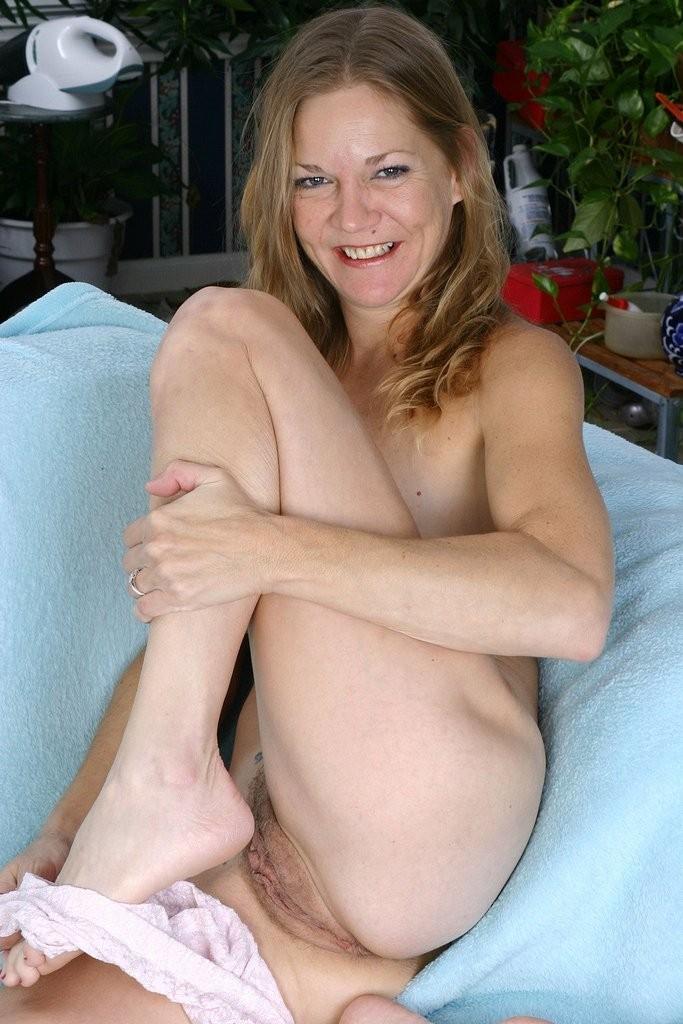 hot naked women giving hand jobs – BDSM