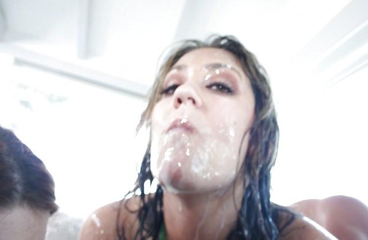 korean girls kissing – Porno