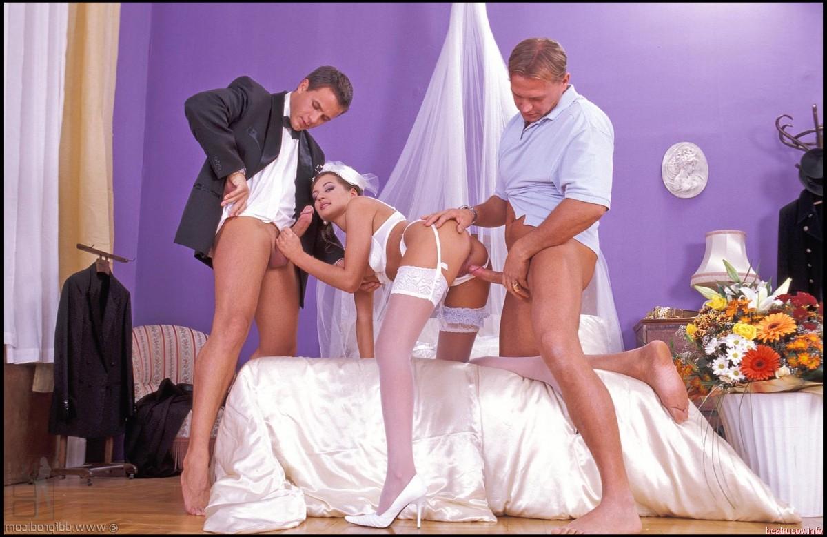 naked pics of kerry cotoner – Lesbian